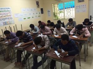 カンボジア技能実習生の事前選考会の様子 2段階面接の1次試験